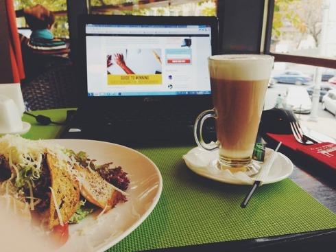 cafe-925356_640