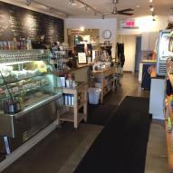 Cafellini, menu ardoise, décor blanc, boutique de café bonne qualité